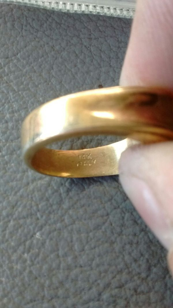 14k stamped gold men's ring with diamond or cz