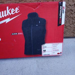 Milwaukee M12 Women's Heates Vest Kit for Sale in North Las Vegas, NV