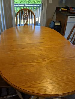 Oak Dining Table for Sale in Puyallup,  WA