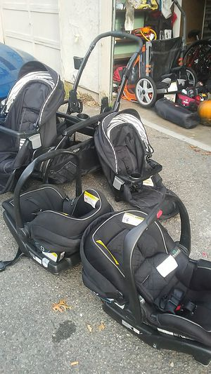 Modes Duo with TruShield Graco INFANT car seats for Sale in Auburn, WA