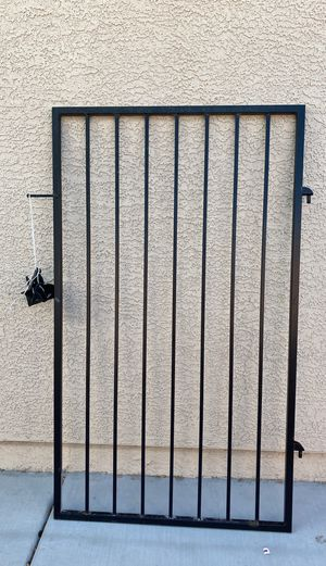 Side yard iron gate for Sale in North Las Vegas, NV