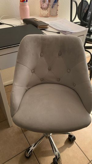 Kids Vanity Chair light weight $50 **READ LISTING ** for Sale in Phoenix, AZ