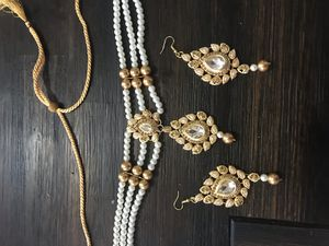 Beautiful choker necklace set with earrings for Sale in Herndon, VA
