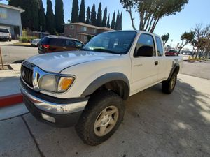 2001 Toyota Tacoma PreRunner Clean Title for Sale in Los Angeles, CA