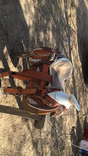 Horse settle for Sale in Bakersfield, CA