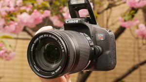 Canon Rebel T7i (with 18-55mm Kit Lens) for Sale in North Chesterfield, VA
