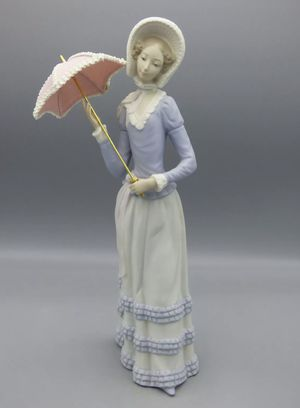 Lladro Little Lady Porcelain Figurine Girl with Parasol/ Umbrella for Sale in Covina, CA