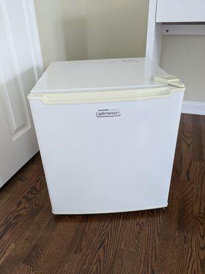 Emerson mini fridge for Sale in Great Falls, VA