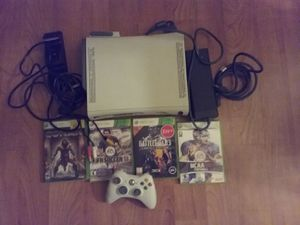 Xbox 360 bundle with 4 games + controller and charger for Sale in Mission Viejo, CA