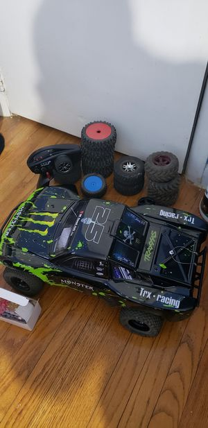 Traxxas Slash 4x4 Brushless RTR for Sale in Fall River, MA