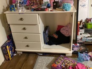 White dresser for Sale in Middletown, MD