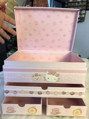 """Hello Kitty Storage - 8.5"""" W x 5.5"""" H - PICKUP IN AIEA - I DON'T DELIVER for Sale in Honolulu, HI"""