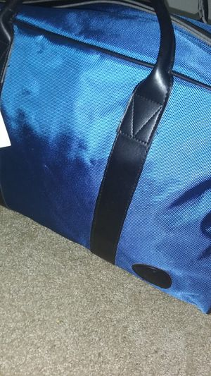 Vince Camuto Duffel Bag for Sale in Hardeeville, SC