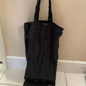 Folding Shopping Bag / Tote With Wheels for Sale in Hollywood, FL