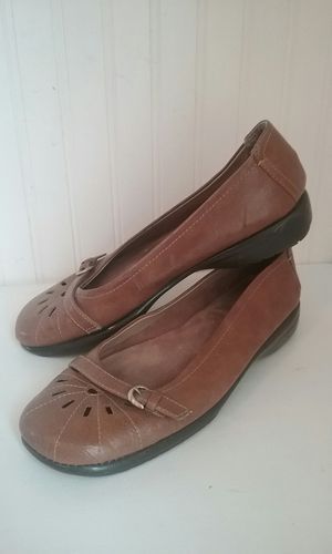 Brown flat shoes size 6 for Sale in Price, UT