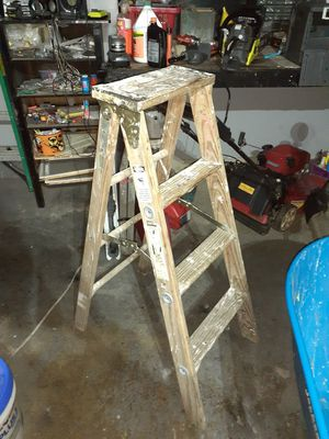 Wood 4ft ladder $40 made in USA for Sale in Reynoldsburg, OH