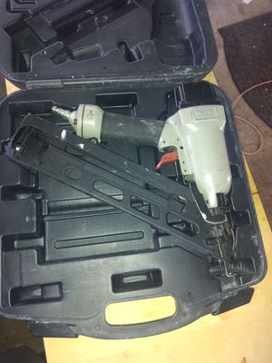 "Porter Cable 15 Gauge Pneumatic 2-1/2"" Angled Finish Nailer and Air Compressor for Sale in Vancouver, WA"