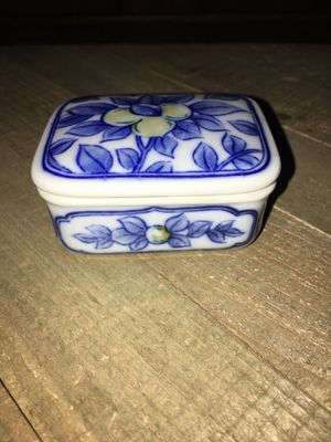 """Vintage 3"""" Handmade Japanese Porcelain Blue & White Trinket Ring Box Container Marked for Sale in Sacramento, CA"""