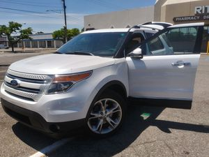 Ford Explorer Limited Luxary ALL BELLS & WHISTLES 2011 for Sale in Center Line, MI