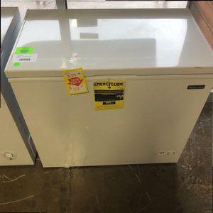 Magic Chef Freezer HMCF7W4 O MJ for Sale in San Antonio, TX