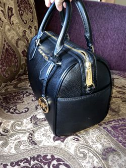Black leather Michael Kors for Sale in Bakersfield,  CA