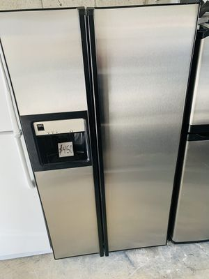 """Frigidaire Stainless Steel Refrigerator In Excellent Condition Width 36"""" Height 70"""" With 4 Month's Warranty! for Sale in Pompano Beach, FL"""