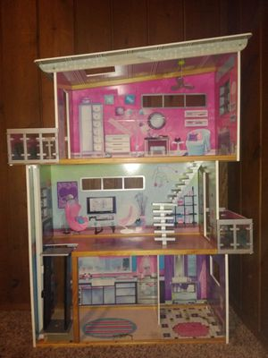 Huge 4 ft doll house for Sale in Monroe, WA