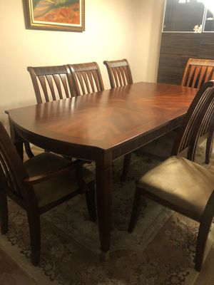 Dining set with 8 chairs and a table for Sale in Los Angeles, CA