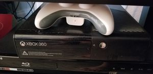 Xbox 360 500 gb with kinect and 6 games 1 controller for Sale in Arlington, TX