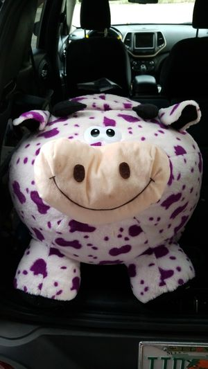 Cow giant plushie for Sale in Orlando, FL