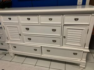 Bedroom set night tables150 for Sale in Aventura, FL