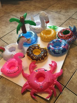Pool cup holders 2$ each for Sale in Carson, CA