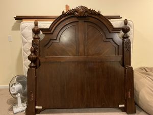 Queen bed frame for Sale in Kent, WA