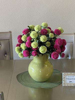 Beautiful Fake Flowers Floral Arrangement Center Piece Plants Planters Home Decor for Sale in Los Angeles, CA