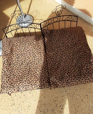 PET BEDS for small dogs with pillows for Sale in Palm Bay, FL