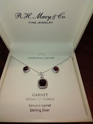 GENUINE GARNET STONE OF ENERGY SET BY R H MACY & CO for Sale in South Pasadena, CA