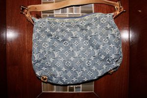Louis Vuitton denim baggy GM for Sale in Westlake, OH