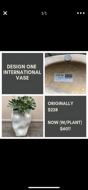 Home decor - vase for Sale in Phoenix, AZ