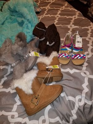 Girl's Size 11 boots and Sandals for Sale in Eatonville, WA