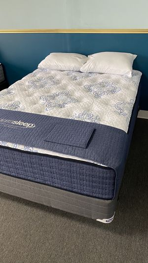 Queen Mattress Plush Firm with built in support foam 2F for Sale in Irving, TX