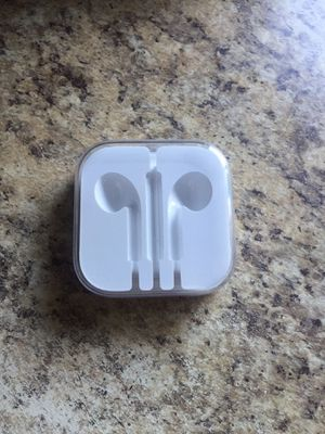 Apple Earbuds (case) for Sale in Lake Elsinore, CA
