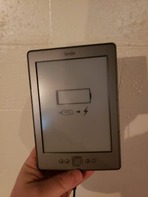 Kindle ereader for Sale in Erie, PA