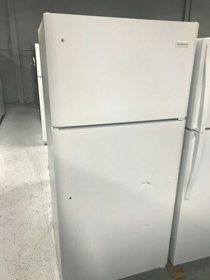 White Frigidaire Refrigerator for Sale in St. Louis, MO