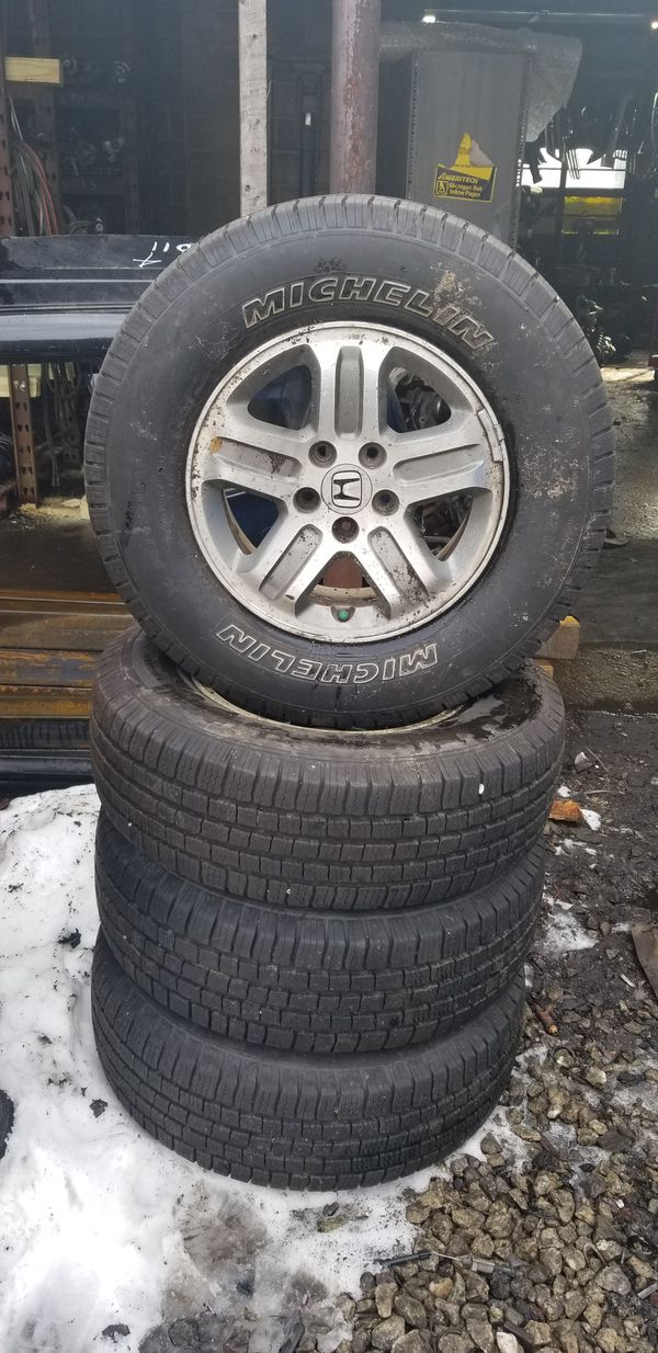 2006 on the pilot rims with excellent tires