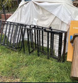 free metal bed frame for Sale in Lynnwood,  WA
