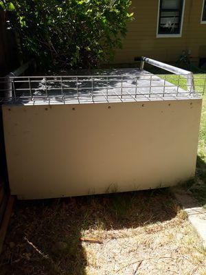 Caja comercial como camper para toyota tacoma del año 2001 al 2004 medidas de 5f largo por ancho 4f buenas condiciones for Sale in Sacramento, CA