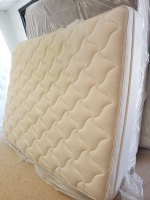 Mattress and box spring queen size for Sale in Houston, TX