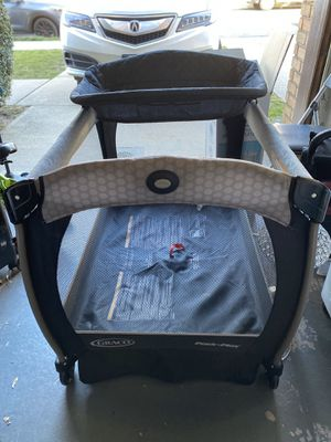 Graco pack n play with changing table and napper for Sale in New York, NY
