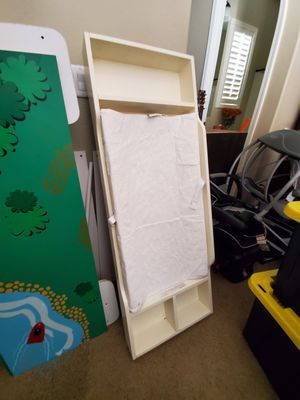 Baby changing table topper w pad (for dresser) for Sale in Scottsdale, AZ