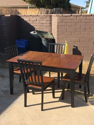 Jerome's Table of 4 with extension for Sale in Chula Vista, CA